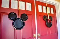 Mickey Mouse Door Wreaths - SimpleSojourns - Simple Sojourns