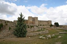 Castle of Trujillo from Spanish Sabores blog: http://spanishsabores.com/2012/06/01/the-3-places-you-cant-miss-in-extremadura/?utm_source=feedburner_medium=email_campaign=Feed%3A+spanishsabores%2FwmCs+%28Spanish+Sabores%29#