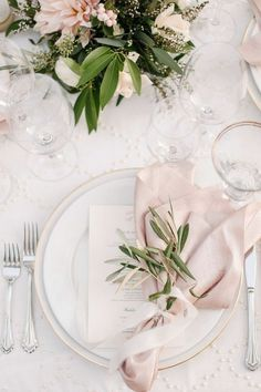 pink and greenery elegant wedding table settings. I love this! Wish we could get blush napkins!
