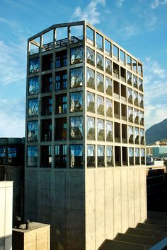 The Silo Hotel, Cape Town. Occupies the top of a converted 1924 grain silo, with panels removed to form enormous curved windows within the concrete framing. Thomas Heatherwick, Cape Town Hotels, Grain Silo, V&a Waterfront, Creative Architecture, Architectural Digest, Architectural Models, Modern Buildings, Installation Art