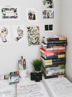 Stay of Books Study Aesthetic: Hermione Granger — lunarfoxes Bedroom Desk, Diy Bedroom Decor, Kids Bedroom, Master Bedroom, Trendy Bedroom, Kids Rooms, Study Space, Study Desk, Design Set