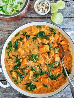 Quick quinoa spinach bowl with pesto and parmesan - gesundes Essen - Dinner Recipes Lunch Recipes, Dinner Recipes, Healthy Recipes, Healthy Meals, Vegetable Curry, Vegetable Recipes, Vegan Broccoli Soup Recipe, Kohlrabi Recipes, Indian Food Recipes