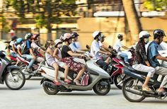 Streets in Vietnam, especially in big cities like Hanoi and Ho Chi Minh City are always crowded with vehicles. If being careless, it is possible that you will have an accident while crossing the road. A lot of foreign tourists are scared of crossing the street when seeing too many vehicles on the road, especially motorcycles. The basic way to cross the street is keeping calm to move forward without the hesitation.