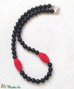 Fekete - piros ásvány nyaklánc, gyöngysor fekete ónix és piros cinóber ásványokból (amethysta) - Meska.hu Beaded Necklace, Jewelry, Fashion, Beaded Collar, Moda, Jewlery, Pearl Necklace, Jewerly, Fashion Styles