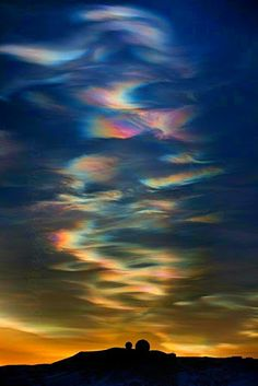 NOT aurora. This pic is being pinned by others as aurora but, these are clouds. All Nature, Science And Nature, Amazing Nature, Beautiful Sky, Beautiful World, Beautiful Pictures, Cosmos, To Infinity And Beyond, Sky And Clouds