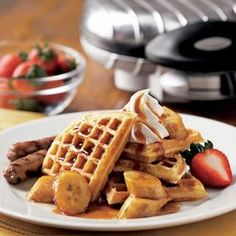 This recipe puts a new twist on the classic bananas Foster. We use maple syrup instead of the traditional brown sugar, and pair saut& bananas with waffles and whipped cream to produce a delicious breakfast dish. What's For Breakfast, Breakfast Dishes, Breakfast Recipes, Banana Recipes, Waffle Recipes, Best Brunch Recipes, Favorite Recipes, Yummy Recipes, Football Food