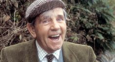 Isle of Man Norman Wisdom, Comedy Actors, Mr Bean, British Comedy, Funny People, Funny Men, Isle Of Man, People Of The World, Great Pictures
