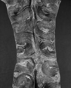 Africa   Surma.  From her Ethiopia Series   © Isabel Munoz