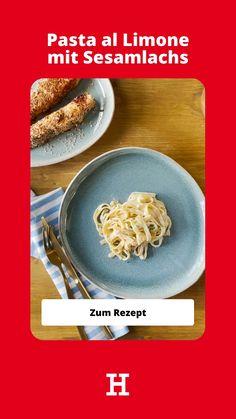 Bella Italia. Amalfiküste. Der Duft frischer Zitronen und das Rauschen der Wellen. Doch keine Sorge, bevor das wehmütige Seufzen losgeht, weil es mit dem Verreisen vielleicht doch noch etwas dauert, hilft dieses frische Rezept in jedem Fall, um vorab in die richtige Stimmung zu kommen.   Einfach Rezept lecker lachs low carb recipe easy pasta italienisches rezept mittagessen nudeln zitrone lemon Oatmeal, Pasta, Make It Yourself, Breakfast, Low Carb, Food, Italian Recipes, Mood, Waves