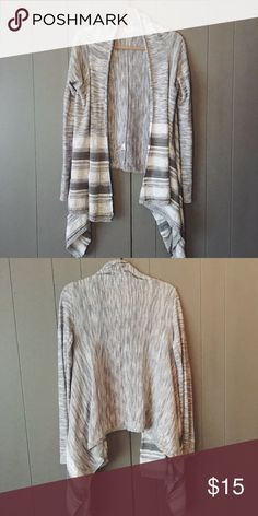 Beautiful Cardigan ✨Like new✨ This cardigan is like brand new. Only worn a few times and in excellent condition! Mossimo Supply Co Sweaters Cardigans