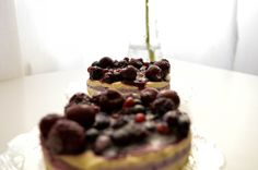 I have used my favorite base for this vegan forest fruits cake as it is very easy to do and it tastes great. It's super healthy and delicious. Forest Fruits, Raw Vegan Desserts, Super Easy, My Favorite Things, Healthy, Cake, Food, Food Cakes, Eten