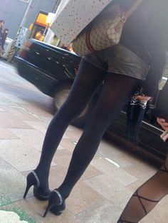 黒タイツとホットパンツやミニスカの組み合わせってぐうエロいよなwwwwwwwwww : エロ画像 モモんガッ(・∀・)!! まとめ