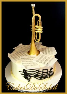 Sugarpaste Brass Trumpet and Cake....i love the sides and the sheet music..might replace trumpet with violin or piano.