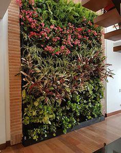 35 space saving vertical garden ideas 22 ~ Design And Decoration Vertical Garden Plants, Vertical Planting, Vertical Garden Design, Vertical Garden Diy, Backyard Garden Design, Backyard Landscaping, Diy Jardim, Garden Drawing, Plant Wall
