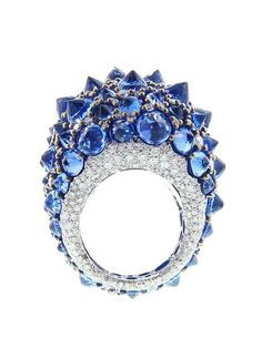 Diamond Rings 2017 / 2018 : Image Description Arunashi handmade reverse tanzanite ring features a total of of inverted tanzanite stones scattered amongst of diamonds. High Jewelry, Jewelry Box, Jewelry Rings, Unique Jewelry, Jewelry Accessories, Jewelry Design, Bling Jewelry, Chanel Jewelry, Tanzanite Jewelry