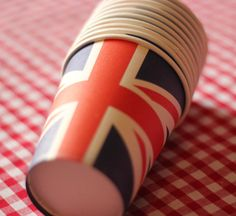 Union Jack jubilee party paper cups by thekidstableshop on Etsy, bday party theme? Sweet 16 Birthday, 16th Birthday, Birthday Parties, Birthday Ideas, 1940s Party, British Party, Beatles Party, London Party, Heart Party