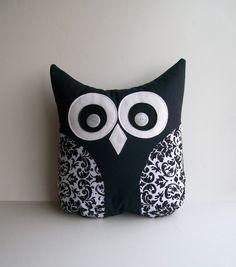 black and white damask pillow, decorative damask owl pillow, unisex, damask nursery, childs room pil Cute Pillows, Diy Pillows, Decorative Pillows, Damask Nursery, Owl Nursery, Black And White Owl, Black And White Pillows, Owl Pillow, Pillow Room