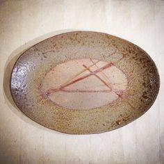 楕円皿ハンバーグにニンジンインゲンジャガイモ洋食も映えそうな器です平岡仁陶展開催中  #平岡仁 #織部下北沢店 #陶器 #器 #ceramics #pottery #clay #craft #handmade #oribe #織部 #織部下北沢店 #陶器 #器 #ceramics #pottery #clay #craft #handmade #oribe #tableware #porcelain