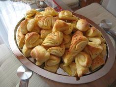 Slané koláče z Juhoslávie mne veľmi chutia. Home Baking, Potato Salad, Shrimp, Pizza, Food And Drink, Menu, Cooking Recipes, Snacks, Vegetables