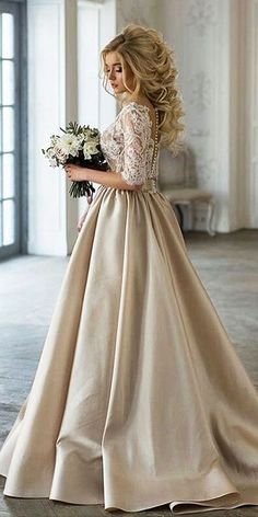 Perfect wedding dress, hair style and wedding bouquet ! Perfect wedding dress, hair style and wedding bouquet ! Perfect wedding dress, hair style and wedding bouquet ! Perfect wedding dress, hair style and wedding bouquet ! Vintage Inspired Wedding Dresses, Vintage Bridal, Best Wedding Dresses, Bridal Dresses, Vintage Dresses, Wedding Gowns, 2017 Wedding, Bridal Lace, Champagne Wedding Dresses