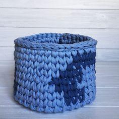 http://hook-and-thread.com/product/storage-basket-6/   cotton yarn  interior basket