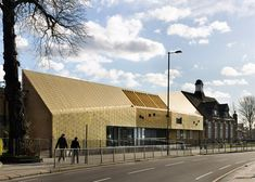 Hayhurst and Co adds a golden extension to a Victorian school