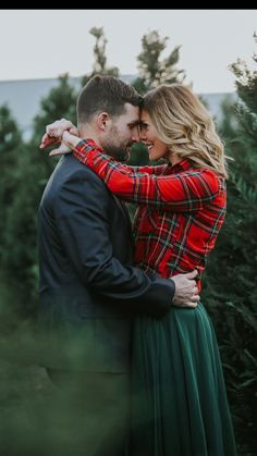 42 Ideas Christmas Tree Photography Life For 2019 Christmas Pictures Outfits, Family Christmas Pictures, Christmas Tree Farm, White Christmas, Tartan Christmas, Christmas Couple, Family Tree Photo, Photo Tree, Farm Family Pictures