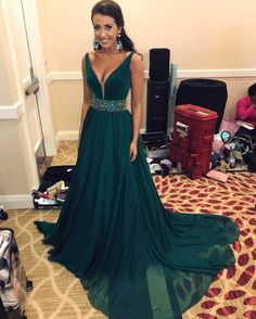 Dark Green Chiffon Beaded Prom Dresses Long A-line Formal Gowns Elegant V Neck Evening Dresses Teens Graduation Party Dress
