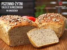 Pszenno-żytni chleb ze słonecznikiem na drożdżach