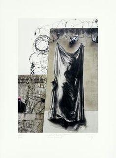Ernest Pignon Ernest Ernest Pignon-Ernest, né à Nice en 1942, est un dessinateur de renommée internationale. Dès les années 1960, il fait de la rue l'espace de son expression graphique, préfigurant le Street art. Son œuvre, qui réveille notre mémoire collective, est perçue comme l'une des plus pertinentes sur la représentation du corps dans l'art contemporain.