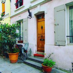 Behind every Parisian door is a story. I love the doors of #Paris as much as the city itself #parisstreet #parisdoors #paris_focus_on #parisjetaime #parismonamour #pariscartepostale #parisgram #worldtraveler #doortrait #doorsofinstagram #parisianlife #parislove #parisphoto #parisphotooftheday #instatraveling #instagramphoto #france #francephoto #paris @parisforrent