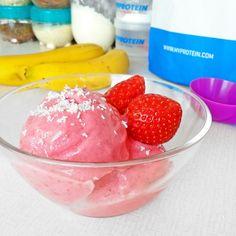 Fitness jahodová zmrzlina - zdravý recept Bajola Kefir, Protein, Food And Drink, Fitness, Ice Cream, Eat, Breakfast, Desserts, Recipes