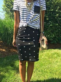 What Nicole Wore: LuLaRoe Cassie Skirt // polka dot pencil skirt pattern mixing outfit ideas work outfit idea gold statement necklace rebecca minkoff love crossbody black watch print mixing Lula Outfits, Fashion Outfits, Looks Style, My Style, Cassie Skirt, Look Chic, Passion For Fashion, Dress To Impress, Rebecca Minkoff