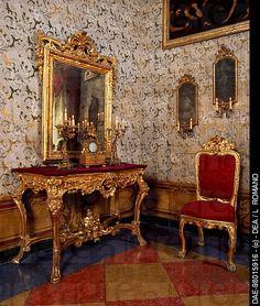 Eighteenth-century Baroque-style console with mirror, Salon of Pomarici Santomasi Foundation, Gravina in Puglia, Apulia. Italy.