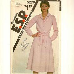 A Classic Long Sleeve, Side Seam Pocket Shirtwaist Dress with Sash/Ascot/Tie Pattern, Vintage 1981, $2.00