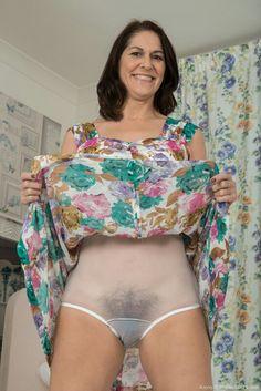 Nude mature women in panties