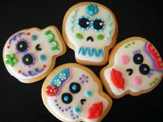 """Cookies for """"Dia de Los Muertos"""" or """"Day of The Dead"""", In Some Countries of Central or South America it is the Feast of All Souls =-= These are So Cute !!"""