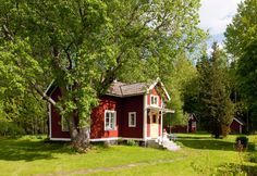 Swedish 'torp' (cottage) ... these small houses were often given to returning soldiers in the 18th century ... nowadays many have been enlarged and renovated and made into vacation homes.