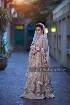 Pakistani Bridal Couture, Pakistani Wedding Dresses, Pakistani Outfits, Bridal Lehenga, Dress Indian Style, Indian Dresses, Dupatta Setting, Pakistan Bride, Walima Dress
