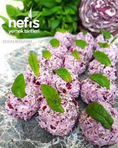 How to make Purple Cabbage Balls Recipe? Here's an illustrated description of the Purple Cabbage Balls Recipe in the book of 331 people and photos of the experimenters. Yummy Recipes, Healthy Crockpot Recipes, Salad Recipes, Yummy Food, Cabbage Balls Recipe, How To Make Purple, Perfect Salad Recipe, Chicken Meatball Recipes, Purple Cabbage