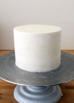 How To Ice a Cake - Style Sweet CA