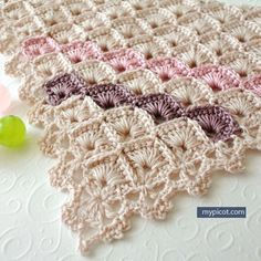 1 of 2 | MyPicot | Triangle Shawl Box stitch pattern | *Brand new as of March 2, 2016 | Free crochet patterns. || ♡ AS ALWAYS, EVERYTHING THAT COMES OFF THE END OF HER SWEET LITTLE HOOK...ABSOLUTELY GORGEOUS!!! ♥A