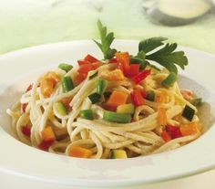 Spaghetti con verdure e yogurt