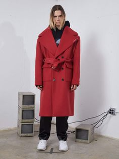 odd92 | Icosae - Red XL Coat