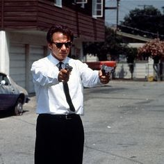 kaktak: Reservoir Dogs - Harvey Keitel You shoot me in a dream, you better wake up and apologize. Harvey Keitel is Mr. White.