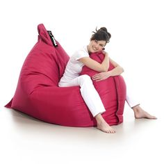 PUFA MATT RESS  Poducha w rozmiarze XXL - tak najłatwiej można opisać tę pufę. Prosta by nie powiedzieć minimalistyczna forma i piękne kolory. To niewątpliwe walory tej pufy. Ze względu na wielkość idealna jak na romantyczne wieczory dla dwojga tak i na samotne dryfowanie. Teak, Bean Bag Chair, Tours, Design, Decor, Decoration, Beanbag Chair, Decorating
