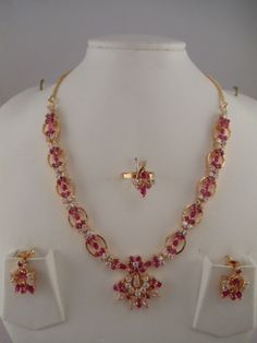 Indian Jewelry Ruby and White Stone Necklaces Ruby Necklace Designs, Gold Jewellery Design, Cz Jewellery, Indian Bridal Jewelry Sets, Gold Jewelry Simple, Schmuck Design, Short Necklace, Gold Necklace, Ruby Stone