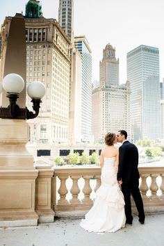 Photography: Olivia Leigh Photographie - olivialeighweddings.com Read More: http://www.stylemepretty.com/2014/02/21/classic-wedding-at-the-chicago-history-museum/