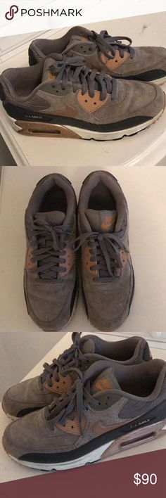 8b91a92c8 Nike AirMax Perfect condition size 9.5 women s Nike Shoes Athletic Shoes  Nike Air Max