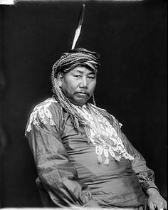 [Portrait (Profile) of Winnebago man Lakuhoohegar or The South Wind, called Jacob Russell] 1912